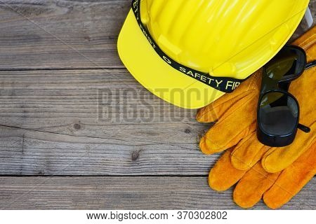 Safety Equipment Standard Construction Safety / Industrial Protective Workwear Tool With Yellow Hat
