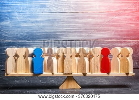 People On Scales Are Divided Into Two Opposing Groups. Appearance Of Opinion Leaders, Influencing Ot