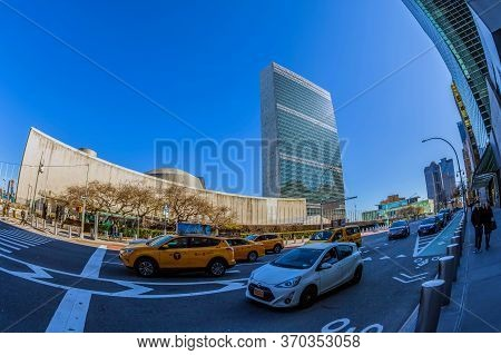 New York, Usa-march 7, 2020: Traffic On 1st Avenue, East Midtown Of Manhattan. In Background Is The
