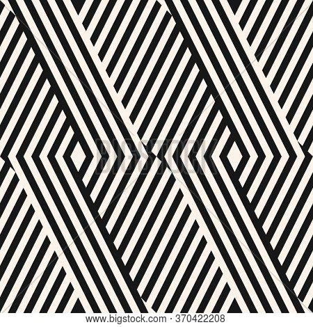 Geometric Lines Seamless Pattern. Modern Monochrome Vector Texture With Diagonal Stripes, Broken Lin