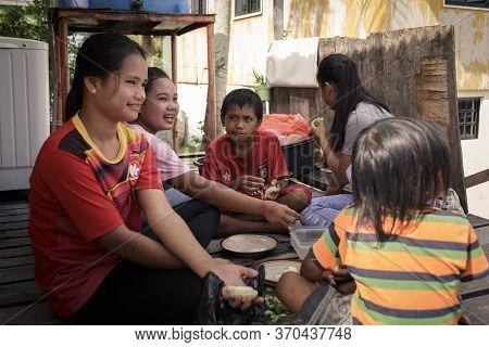 Mantanani Island, Sabah, Malaysia-circa September, 2017: A Group Of Local Mantanani Island,kids Are