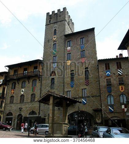 Arezzo / Tuscany, Italy - August 8, 2015: Medieval Piazza Vasari In Arezzo. Tuscany