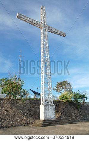 Palawan, Ph - March 6 - Mount Tapyas Steel Cross Structure On March 6, 2012 In Coron, Palawan, Phili