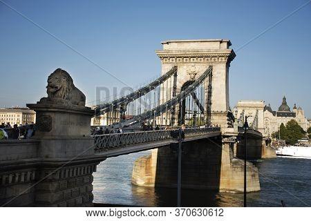 Budapest, Hungary - September 22 : Hungarians People Walking Visit On Budapest Chain Bridge Cross Da