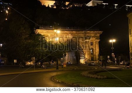 Budapest, Hungary - September 22 : Traffic Road At Gate Of Budai Varalagut Budapest Or Buda Castle T
