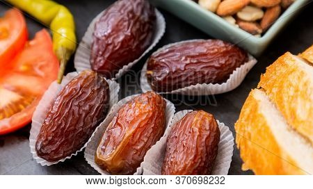 Fruit Image Date Palm Welding Fruit Is Sweet And Without Sugar For Health And Is A Diet On A Beautif
