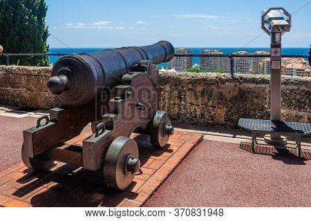 Monaco-ville, Monaco - June 13, 2019 : Cannon And Cannon Balls Near Royal Palace In Monaco.