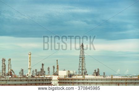 Oil Refinery Or Petroleum Refinery Plant. Power And Energy Industry. Oil And Gas Production Plant. P