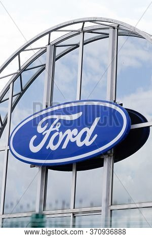 Bordeaux , Aquitaine / France - 06 01 2020 : Ford Blue Sign Store Logo On Dealership Entrance Of Aut