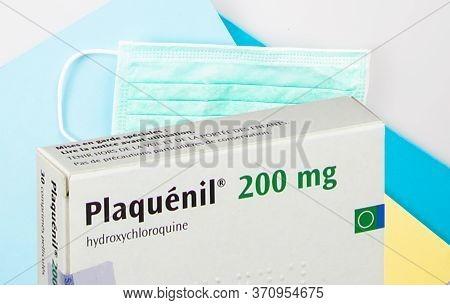 Bordeaux , Aquitaine / France - 03 30 2020 : Plaquenil 200 Mg Hydroxychloroquine Chloroquine Pills B