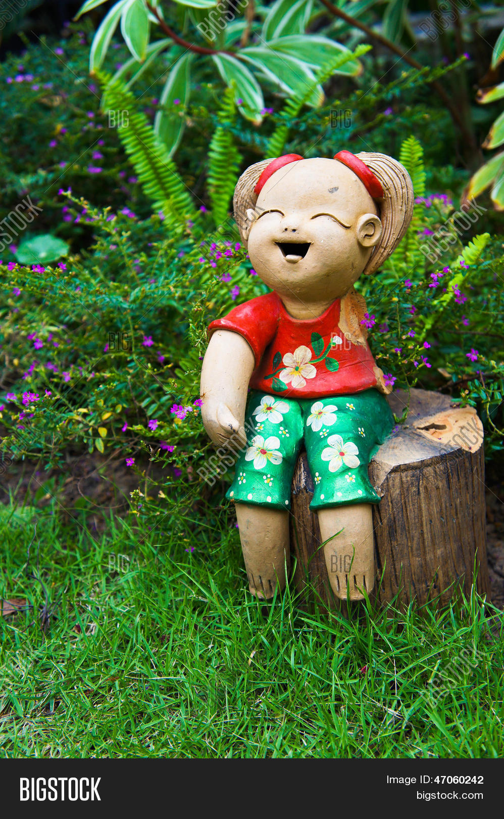 ceramic dolls in the garden - The Doll In The Garden