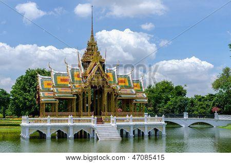 Aisawan-dhipaya-asana Pavilion, Bang Pa-in Palace, Thailand