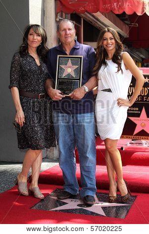 Katy Segal, Sofia Vergara, Ed O'Neill at the Ed O'Neill Hollywood Walk Of Fame Induction Ceremony, Hollywood, CA. 08-30-11