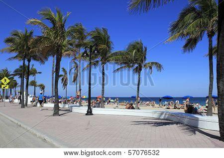 Spring Break Crowd On Cortez Beach