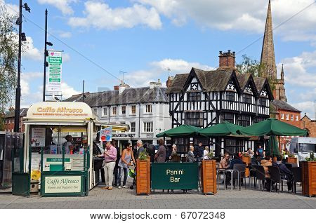 Pavement cafe and High House, Hereford.