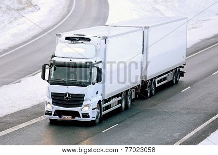 Mercedes-Benz Actros Temperature Controlled Trailer Truck