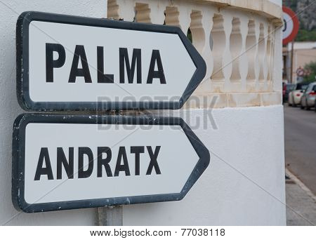 Road sign Palma Andratx