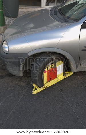 Clamped car
