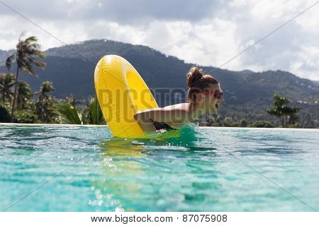 Fashion Woman Body Posing In Summer In Pool