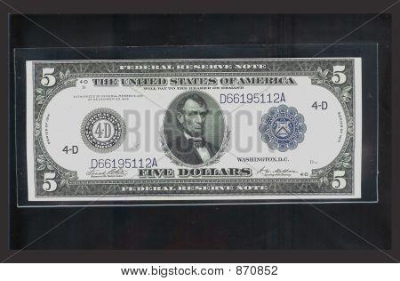 fünf Dollar Bill isoliert auf schwarz