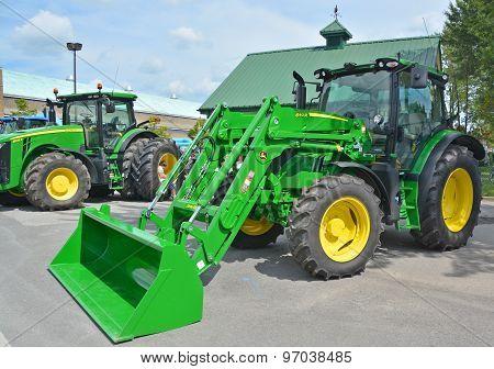 Tractor John Deere 640 R.