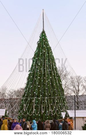 People At Decorated Christmas Tree And Souvenir Houses Vilnius