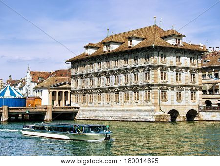 Excursion Boat At Old Town Hall In Limmat River Zurich Swiss