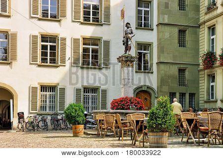 Banneret Fountain And Rathausplatz In Old City Center In Bern