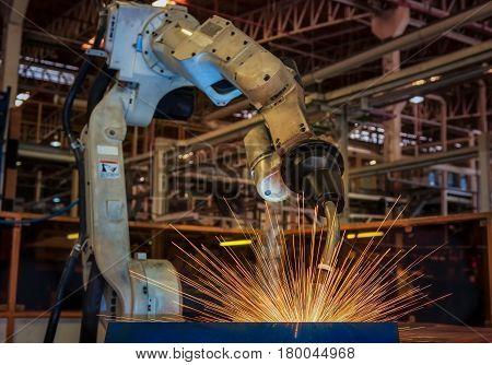 Test run robot welding assembly automotive part