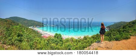 Women stand on the cliff with Landscape of panorama wiew koh-larn island- Pattaya