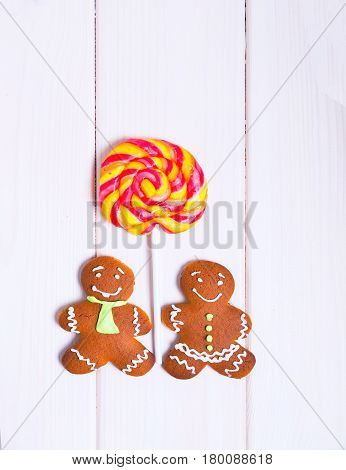 Pair of gingerbread men. Christmas gingerbread cookies. Top view.
