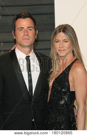 LOS ANGELES - FEB 26:  Justin Theroux, Jennifer Aniston at the 2017 Vanity Fair Oscar Party  at the Wallis Annenberg Center on February 26, 2017 in Beverly Hills, CA