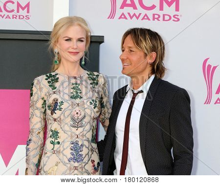LAS VEGAS - APR 2:  Nicole Kidman, Keith Urban at the Academy of Country Music Awards 2017 at T-Mobile Arena on April 2, 2017 in Las Vegas, NV