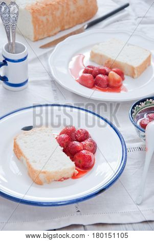 Homemade Angel Food Cake with Strawberry compote