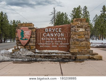 Bryce Canyon United States: March 11th 2017: Bryce Canyon National Park Entry Sign in Snow