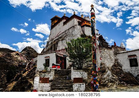 Beautiful Tibet scenery in china-Yongbulakang is the first palace in the history of Tibet. According to historical records was built in the second century BC.