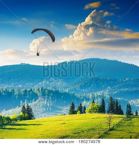 Paraglide Over Laseshina Valley