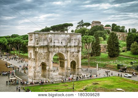 ROME - OCTOBER 1, 2012:View the Arch of Constantine and Palatine Hill in Rome, Italy.