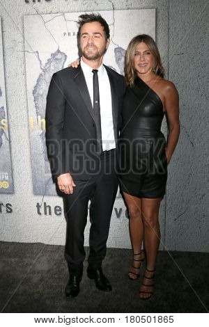 LOS ANGELES - APR 4:  Justin Theroux, Jennifer Aniston at the Premiere Of HBO's