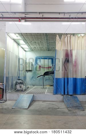 paint booth in car bodu shop