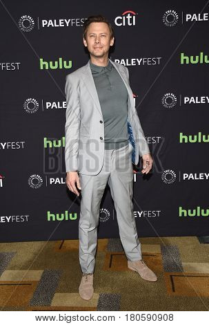 LOS ANGELES - MAR 25:  Jimmi Simpson arrives for the Paleyfest 2017-Westworld on March 25, 2017 in Hollywood, CA