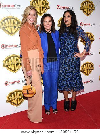 LOS ANGELES - MAR 29:  Katherine Heigl, Denise DiNovi and Rosario Dawson arrives for the CinemaCon 2017-Warner Brothers on March 29, 2017 in Las Vegas, NV