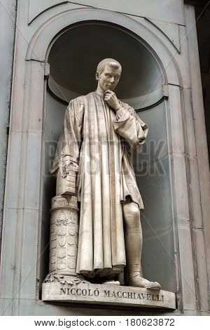Niccolo Machiavelli statue in the courtyard of the Uffizi Gallery in Florence, Italy