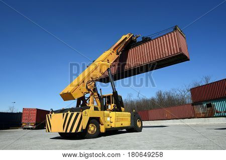 Autoloader Carrying Container