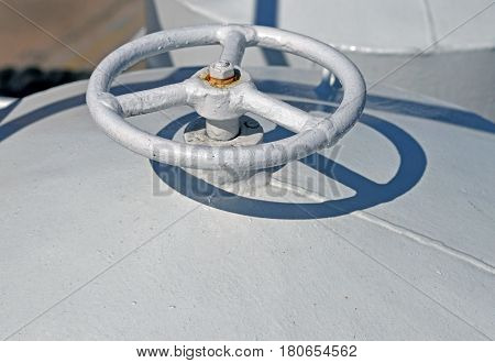 pipe for extraction of air on shipboard