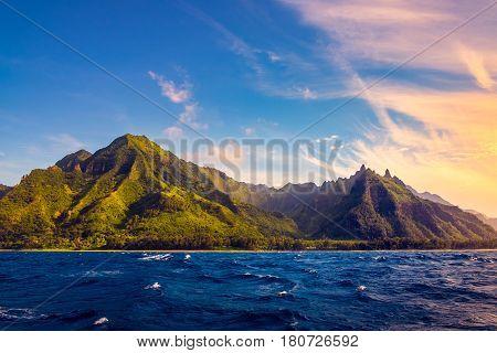 Dramatic Landscape Of Na Pali Coast, Kauai, Hawaii