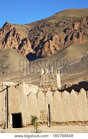 Hill Africa In Morocco The Old Contruction         And   Historical Village Brick Wall