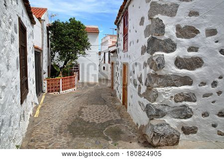 AGULO, LA GOMERA, SPAIN: Cobbled street with traditional houses