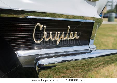 Chrysler 300G Emblem On Display