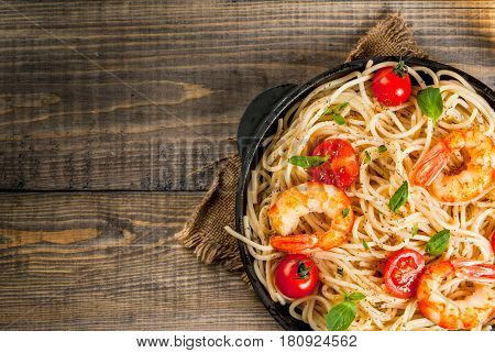 Pasta With Grilled Prawns Shrimps